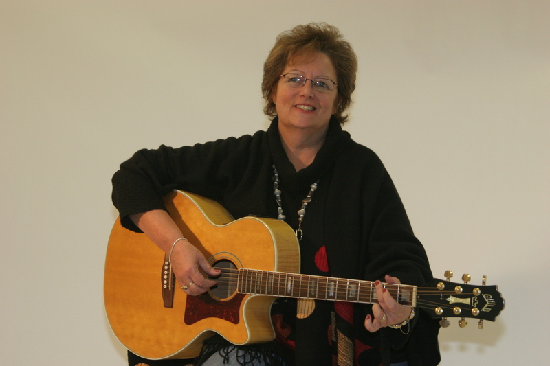 Exclusive Interview with Folk Singer Songwriter Darlene Bailey
